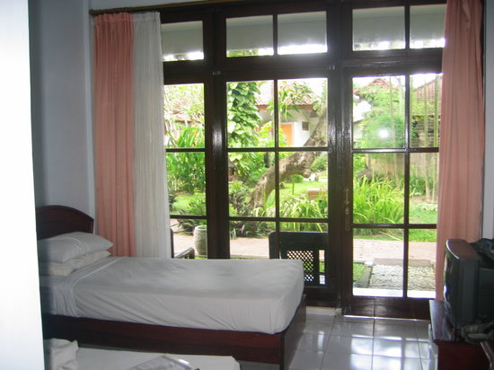 Hotel Sinar Bali: our room