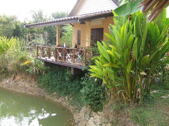 Baan Suan Thip Homestay: Our bungalow