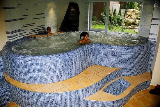 Szonyi Hotel: Whirlpoool