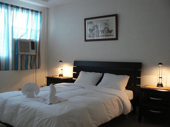 Pacific Queen Group Bed & Breakfast