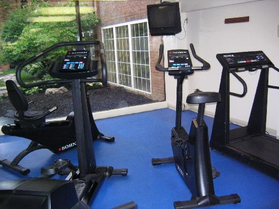 The Kensington Hotel: Exercize room
