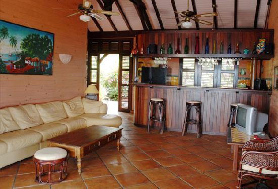 Villa du Jardin Botanique, ex propriete coluche : De grands espaces où il ait bon vivre au ryhtme des Antilles