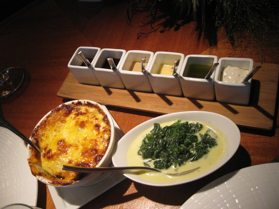 Fifty Two 80 Bistro : potatoes, spinach and sauces