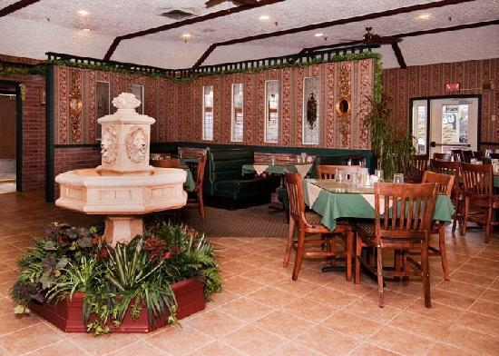 Presque Isle Inn & Convention Center : Gram Russo's Italian Restaurant
