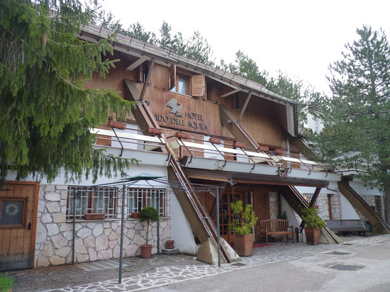 Hotel Nido dell'Aquila: Facade of the hotel