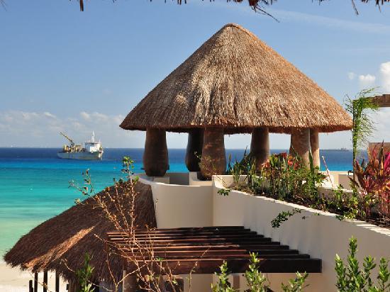 El Taj Oceanfront & Beachside Condos Hotel: Premium view