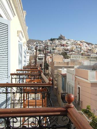 Ερμούπολη, Ελλάδα: Vue du balcon sur la ville