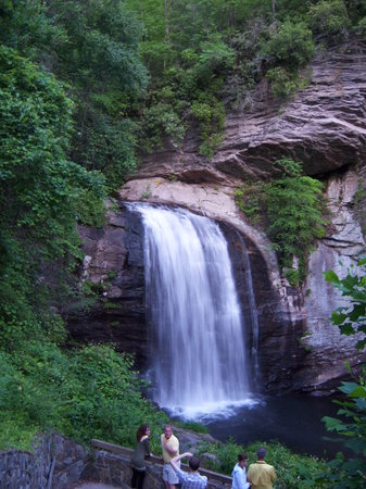 Pisgah Forest, Kuzey Carolina: Looking Glass Falls