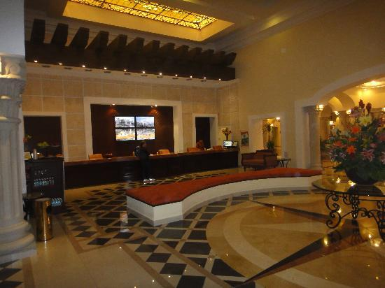 The Royal Playa del Carmen: Lobby