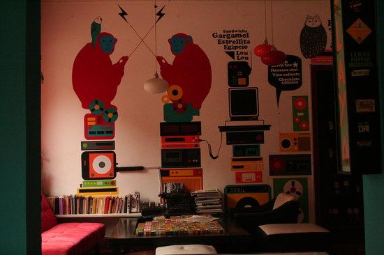 La Maquina: Funky decor