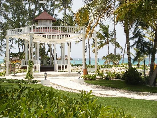 Grand Palladium Punta Cana Resort Spa Wedding Gazebo