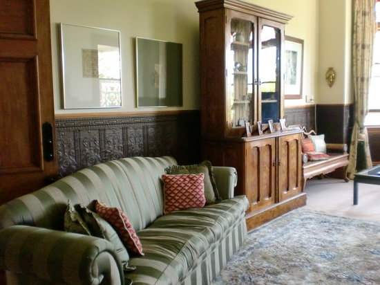 Archer House: The Main Lounge