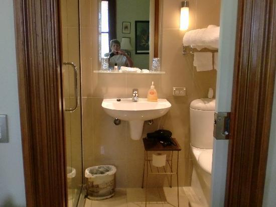Archer House: Ensuite Bathroom