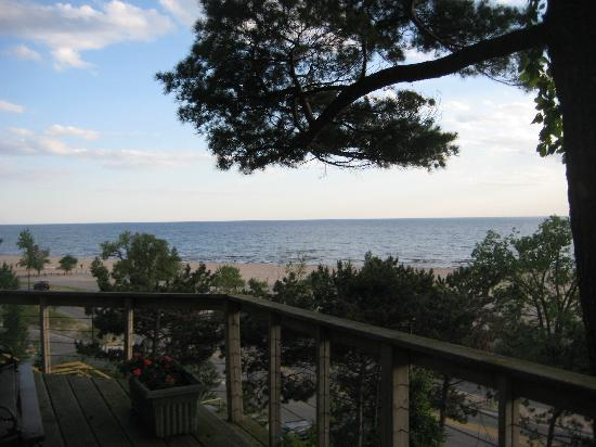 The Looking Glass Inn: View of Lake Michigan and the beach from the deck