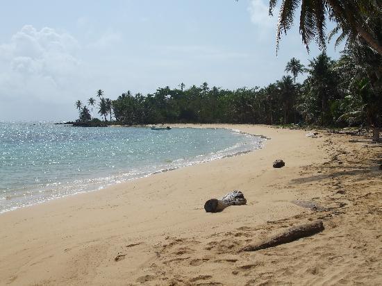 Ensueños: Beach in front of Ensuenous