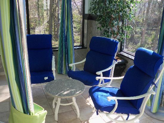 Hampton Inn Danbury: Pool Chairs