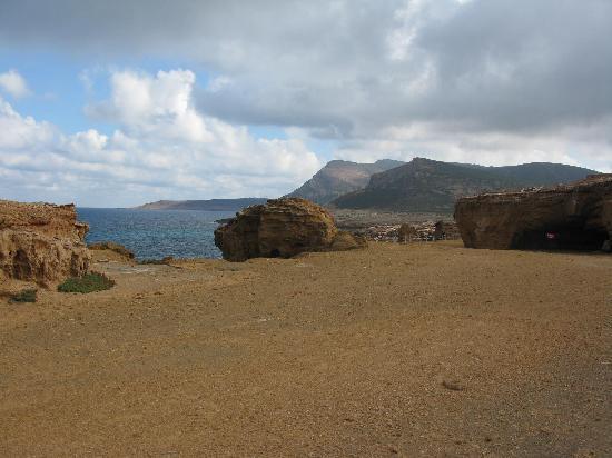 El Haouaria, Tunisia: les grottes puniques