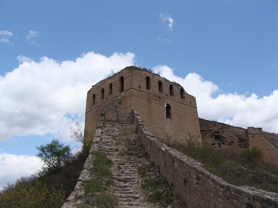 Great Wall Hiking : Watchtower on the Great Wall at Gubeikou