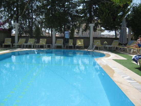 Myra Apart Hotel: One of the hotels two pools
