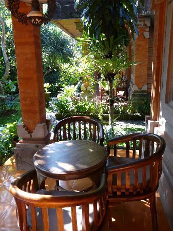 Ubud Bungalow: unsere Terrasse