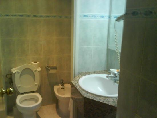 TUI Family Life Avenida Suites : Bathroom