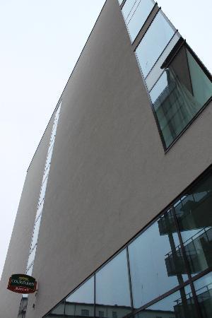 Courtyard Stockholm Kungsholmen: Stylish exterior design