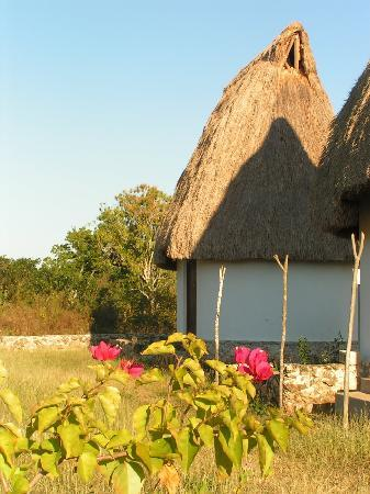 Muna, Mexico: cabane du complexe