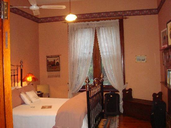 Buxton Manor: Bedroom