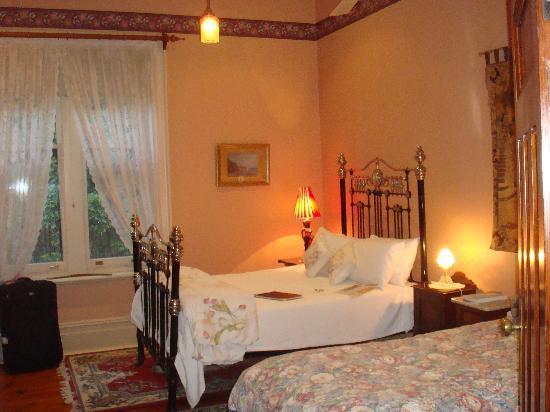 Buxton Manor: Bedroom 2