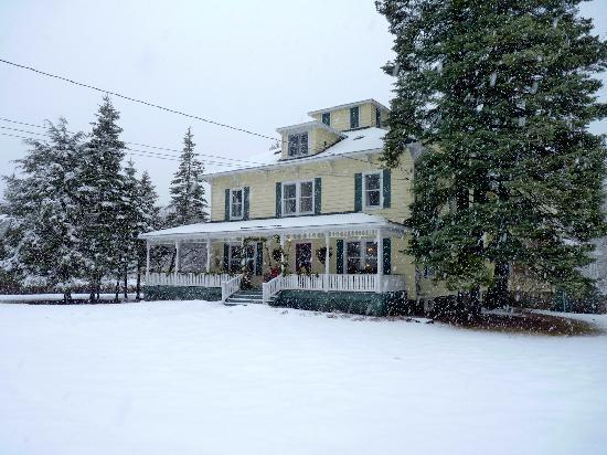 Front view of keene Valley Lodge