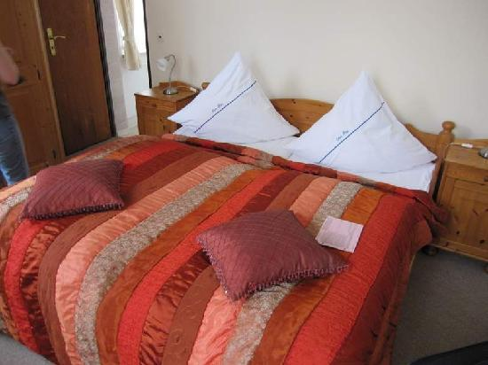Boppard Hotel Ohm Patt: The nice bed