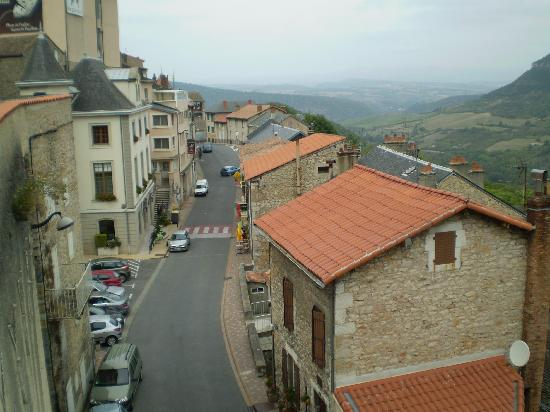 Blanc Sur Sanctus: The village of Roquefort.