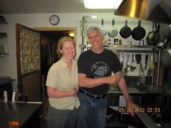 Fireweed Station Inn: Tom and Hobbs the Innkeepers
