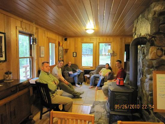 Fireweed Station Inn: Climbing team relaxing before leaving for mountain
