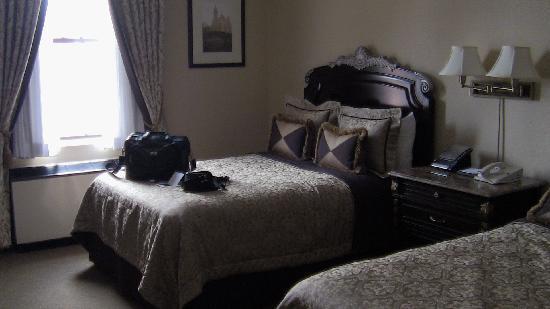 The Lucerne Hotel: room 1220