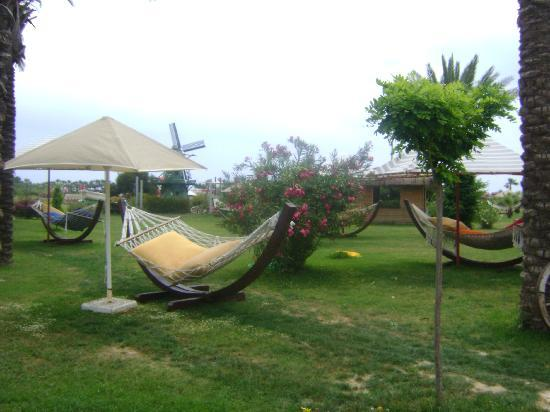 Xanthe Resort: Gardens