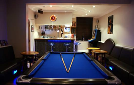 The Craimar: Come and have a game of pool in our modern  bar
