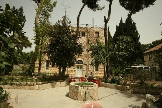Franciscaines de Marie: il Giardino
