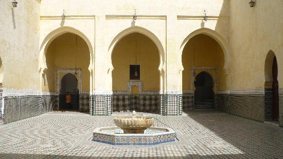 Meknes, Marruecos: Mosquee entrance