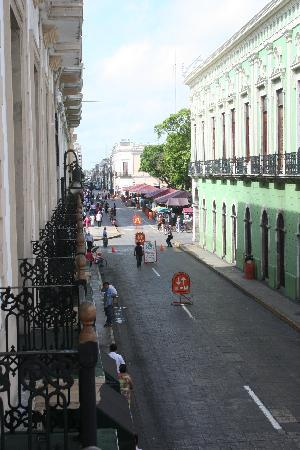 Gran Hotel de Merida: view down side street from balcony (undo handtight screw on window)