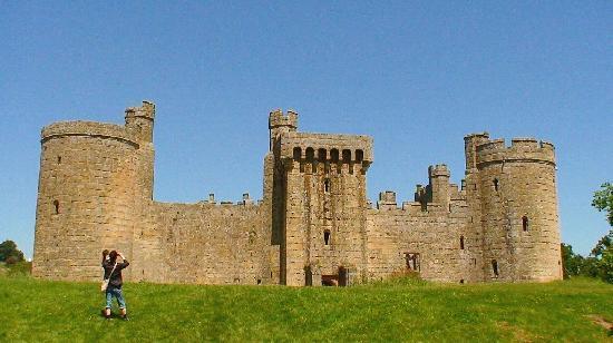 Bodiam Castle 2006 b