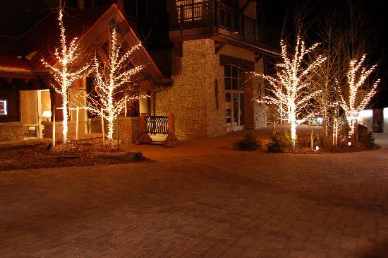 Tamarack Townhouses, A Destination Residence: Base Village at night