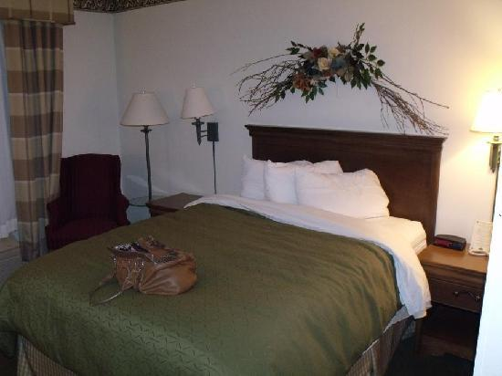 Country Inn & Suites By Carlson, Salina: Guest room