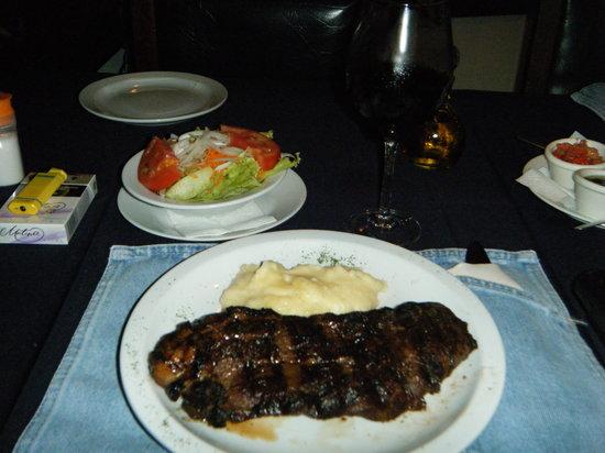 El Novillo Alegre Parrilla Argentina : New York Steak