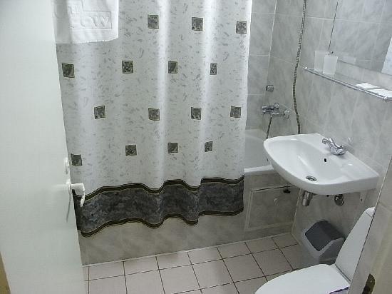 Moscow Hotel: モスクワホテル:浴室