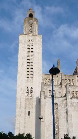 Ibis Casa Sidi Maarouf: former cristian church