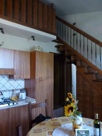 Agriturismo il Girasole: cucina dell'appartamento