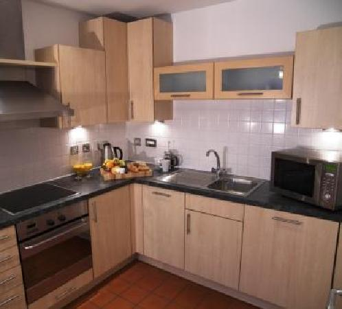 Stay Deansgate Apartments: Fully equipped kitchens