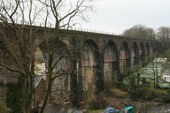 Beechtree Cottages: Viaduct at Ribbleshead