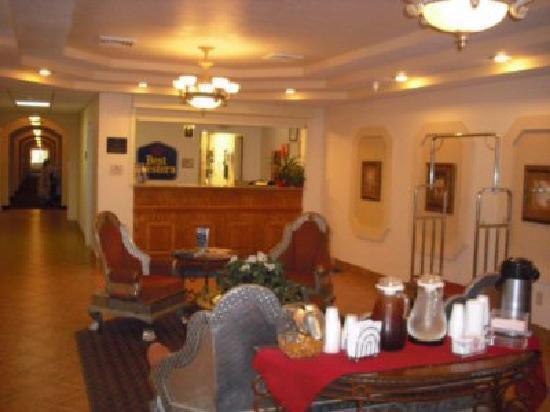 BEST WESTERN J. C. Inn: Lobby